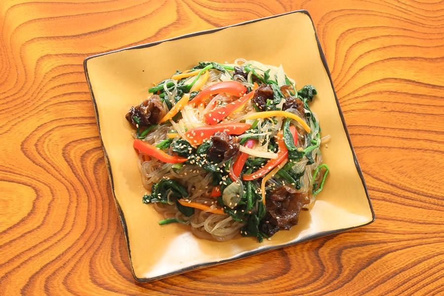 野菜たっぷり塩チャプチェ・799円